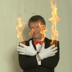 Due fra brændende handsker d'luxe